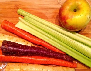 Rainbow Carrot Juice by Tastefulventure.com #Juicing