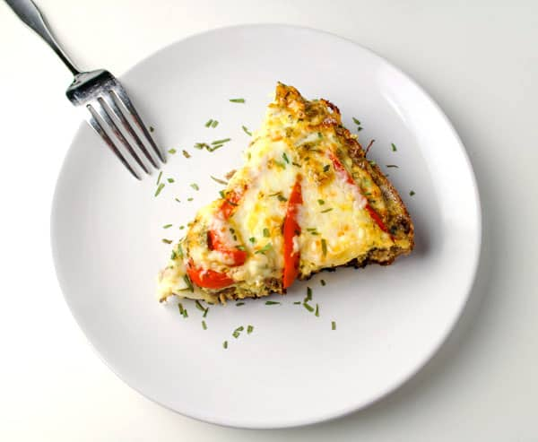 This Sausage and Red Pepper Frittata is low in carbs and so easy to make! Breakfast can be ready in about 20 Minutes with this recipe! | Tastefulventure.com