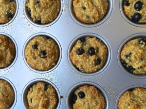 Paleo Blueberry Muffins (Sugar Free) made with Almond Flour, Applesauce, Honey, and Coconut Oil are super healthy! by Tastefulventure.com #paleo #sugarfree #blueberry #tastefulventure