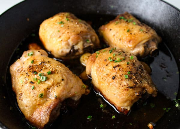 These Garlic Brown Sugar Chicken Thighs can be made in about 30 minutes! We made a glaze of Brown Sugar, Honey, Garlic, and Ginger. by Tastefulventure.com