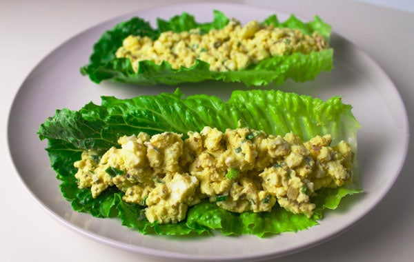 These Low Carb Egg Salad Lettuce Wraps are Gluten Free and super easy to make. | Tastefulventure.com
