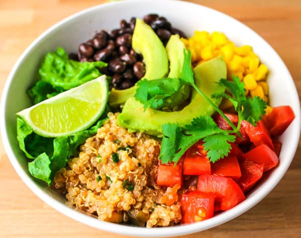 These Quinoa Burrito Bowls can be made in 15 minutes and are Vegan and GlutenFree! by Tastefulventure.com