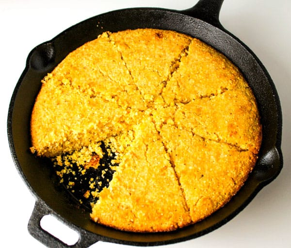 20 Minute Skillet Cornbread (Gluten Free) that is super easy to make and is so addicting! by Tastefulventure.com