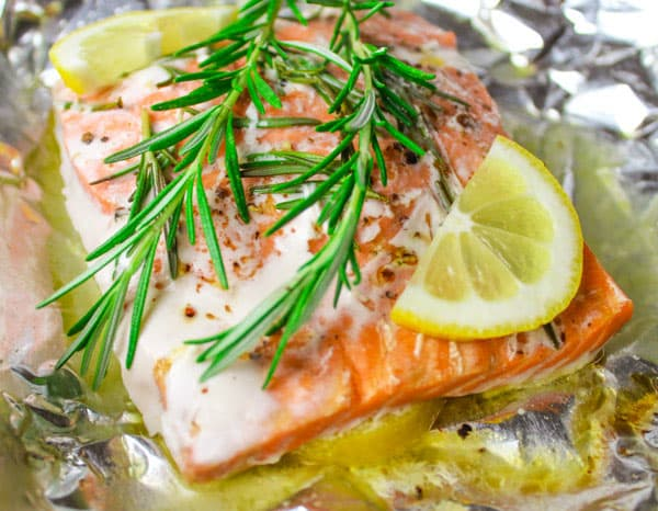 Baked Rosemary Salmon in Foil - Cooks in 20 Minutes and clean up is a breeze!!! by Tastefulventure.com