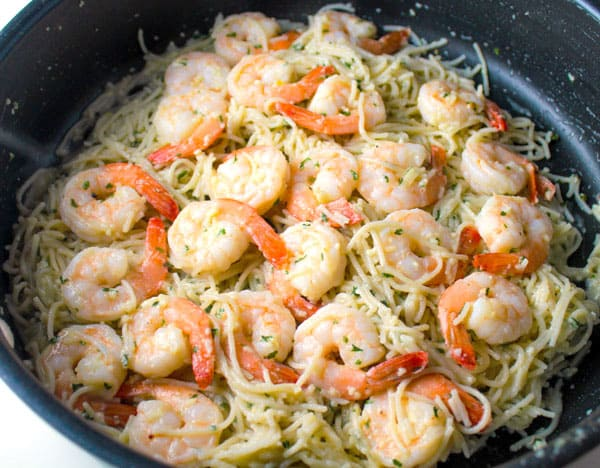 This Shrimp Scampi Pasta is super easy to make and is Gluten Free! We used Angel Hair Rice Pasta for this dish, so delicious! | Tastefulventure.com