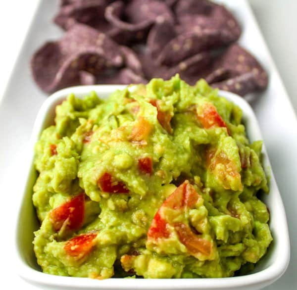 Super Easy Guacamole that can be made in under 10 minutes! by Tastefulventure.com