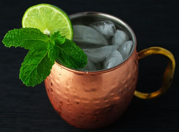 This Traditional Moscow Mule is so easy to make and is the Perfect Cocktail for the Holidays! | Tastefulventure.com