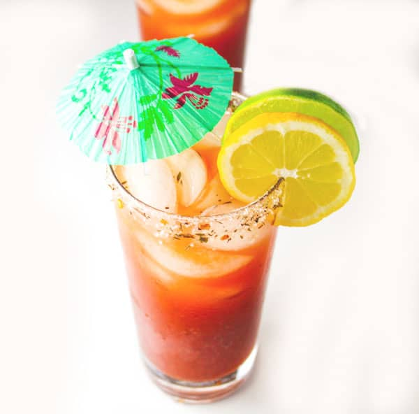 21 Boozy Cocktails For Summer, a great round-up of the most refreshing cocktails to get you ready for summer! | Tastefulventure.com