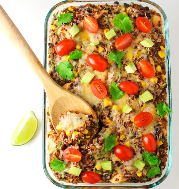 This Chicken Quinoa Mexican Casserole comes together in about 30 minutes, it's so easy to make! Plus only 360 calories per serving and it's Gluten Free! | Tastefulventure.com