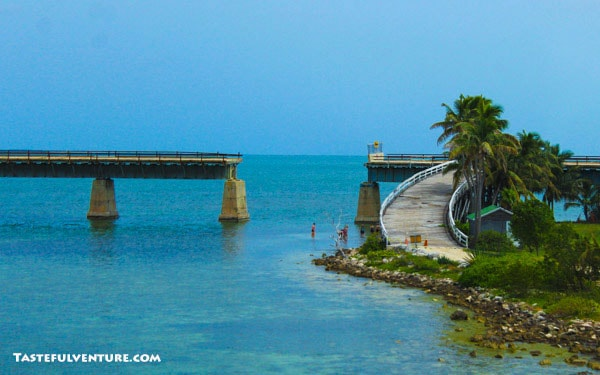 Driving The Overseas Highway from Miami to Key West, such an amazing Road Trip! | Tastefulventure.com