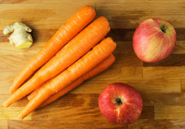 This Carrot Apple Ginger Juice is so Energizing! | Tastefulventure.com