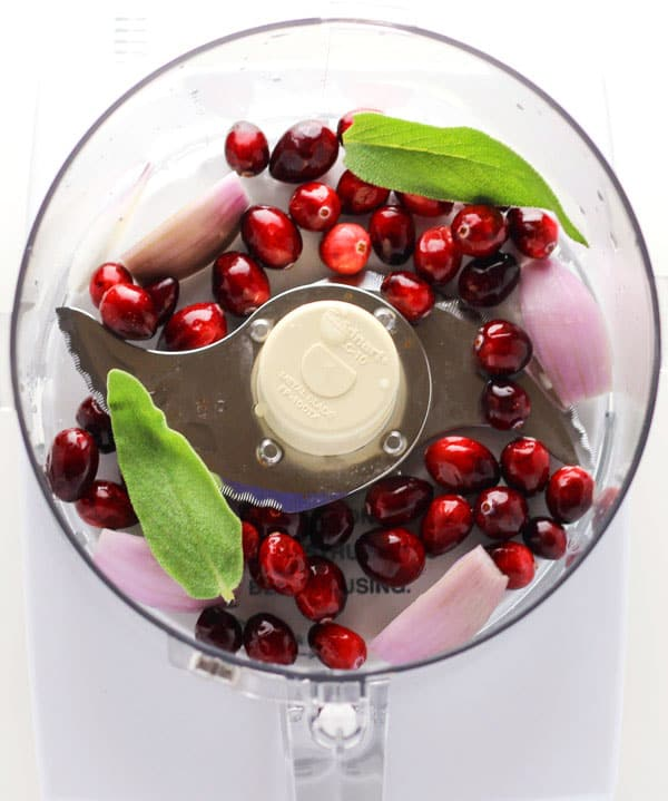 This Cranberry Vinaigrette can be made in less than 5 minutes and is perfect for your holiday salad! | Tastefulventure.com