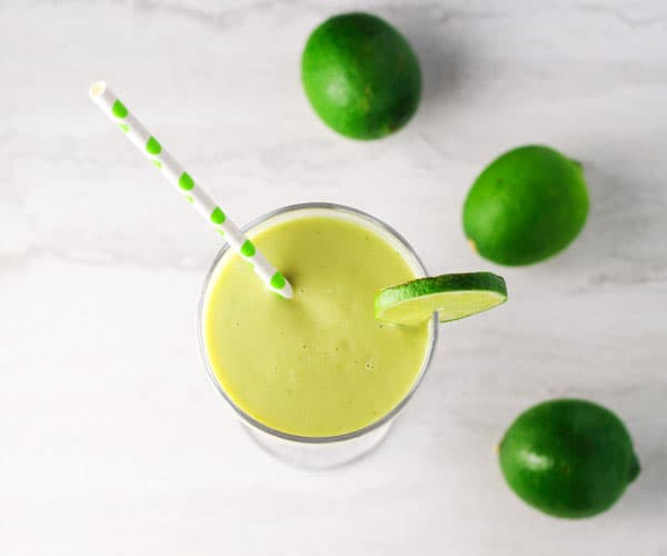 This Key Lime Pie Smoothie tastes so rich and creamy, it feels like you're having dessert for breakfast! | Tastefulventure.com