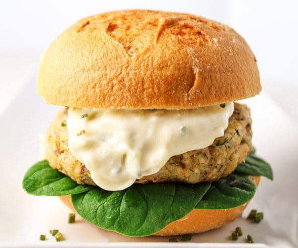 Parmesan Dill Salmon Burger with Garlic Aioli ...