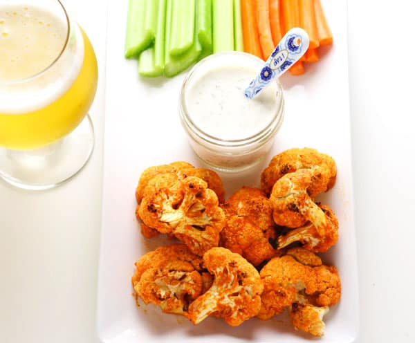 These Skinny Buffalo Cauliflower Bites are Low Calorie, Low Carb, and Gluten Free! | Tastefulventure.com