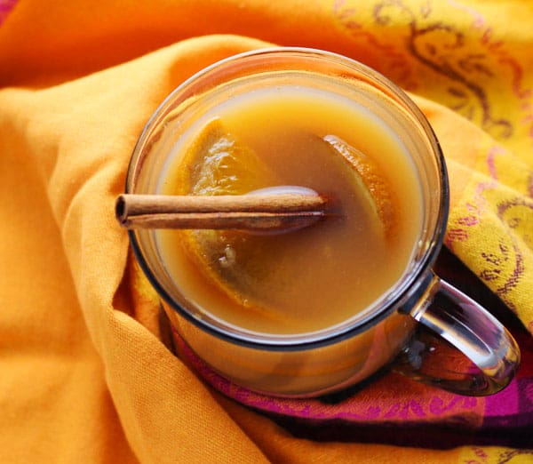 Slow Cooker Mulled Cider is perfect for those chilly Fall days! | Tastefulventure.com