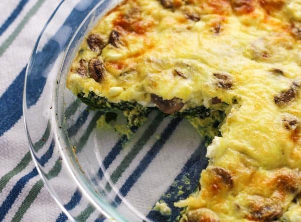 This Spinach Feta Mushroom Quiche (Crustless) is a crowd favorite! We made this 'Crustless' so it's Gluten Free! | Tastefulventure.com