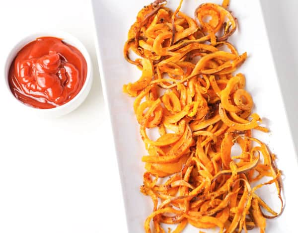Spiralized Sweet Potato Fries, this is an easy way to make Healthy fries! | Tastefulventure.com