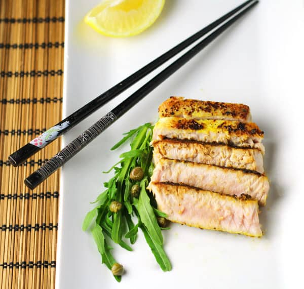 These Zesty Lemon Pepper Tuna Steaks can be cooked in under 10 minutes and are so delicious! | Tastefulventure.com