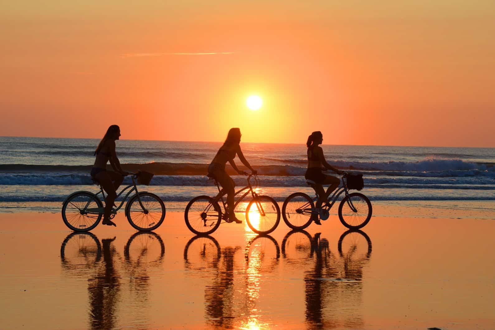 10 Reasons To Make Daytona Beach Your Weekday Getaway!