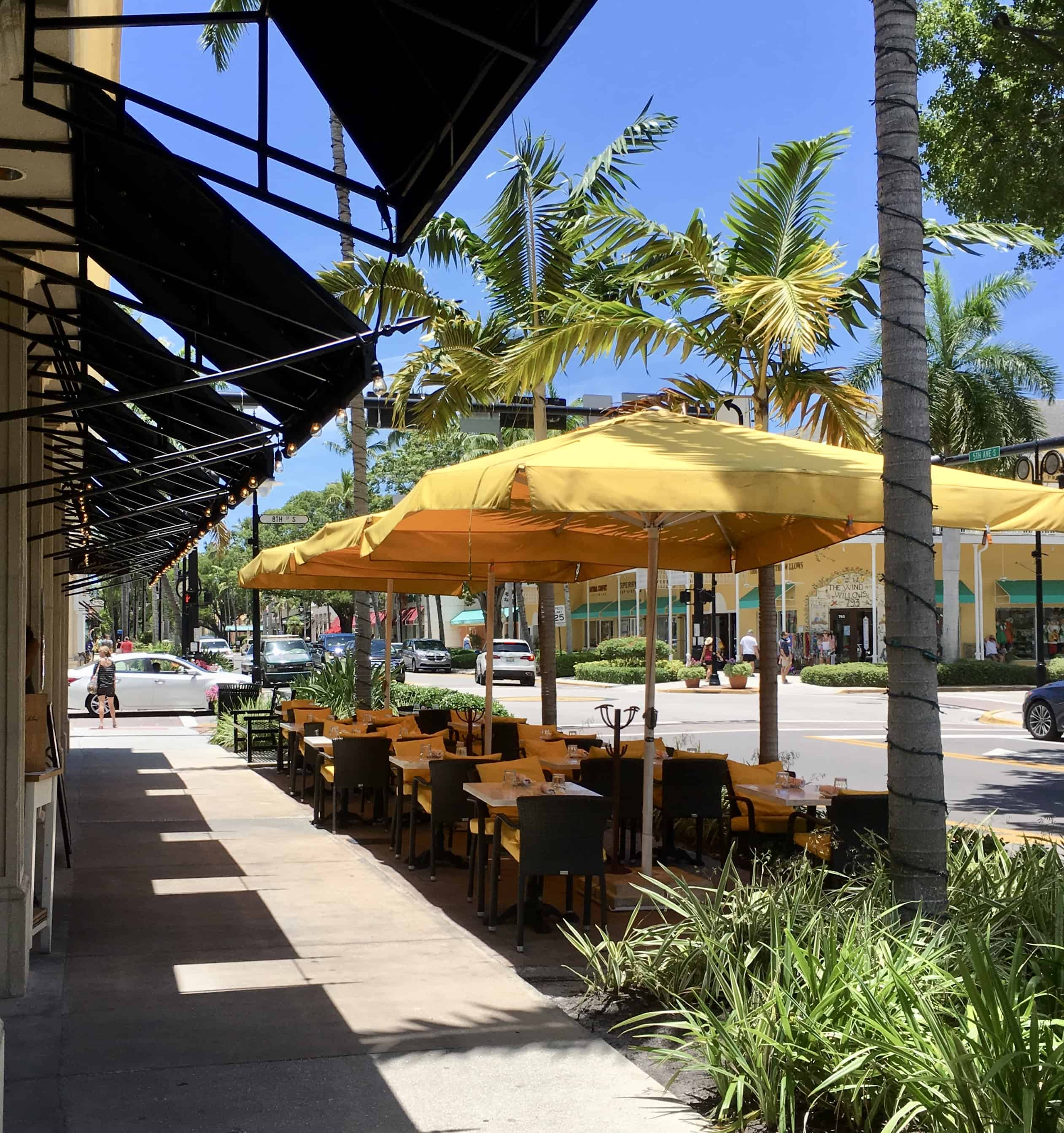 #ad How to spend 24 Hours In Naples, Florida! Take in the beautiful sunsets, enjoy fine dining, and shopping. There's something for everyone in Naples! | tastefulventure.com made in partnership with RedRoof.com #RoadtoPillow #RR #TapTapGo
