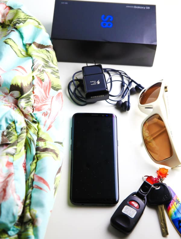 #ad 10 Necessities For Every Road Trip! | Tastefulventure.com made in partnership with Samsung #SamsungUnlocked #CollectiveBias