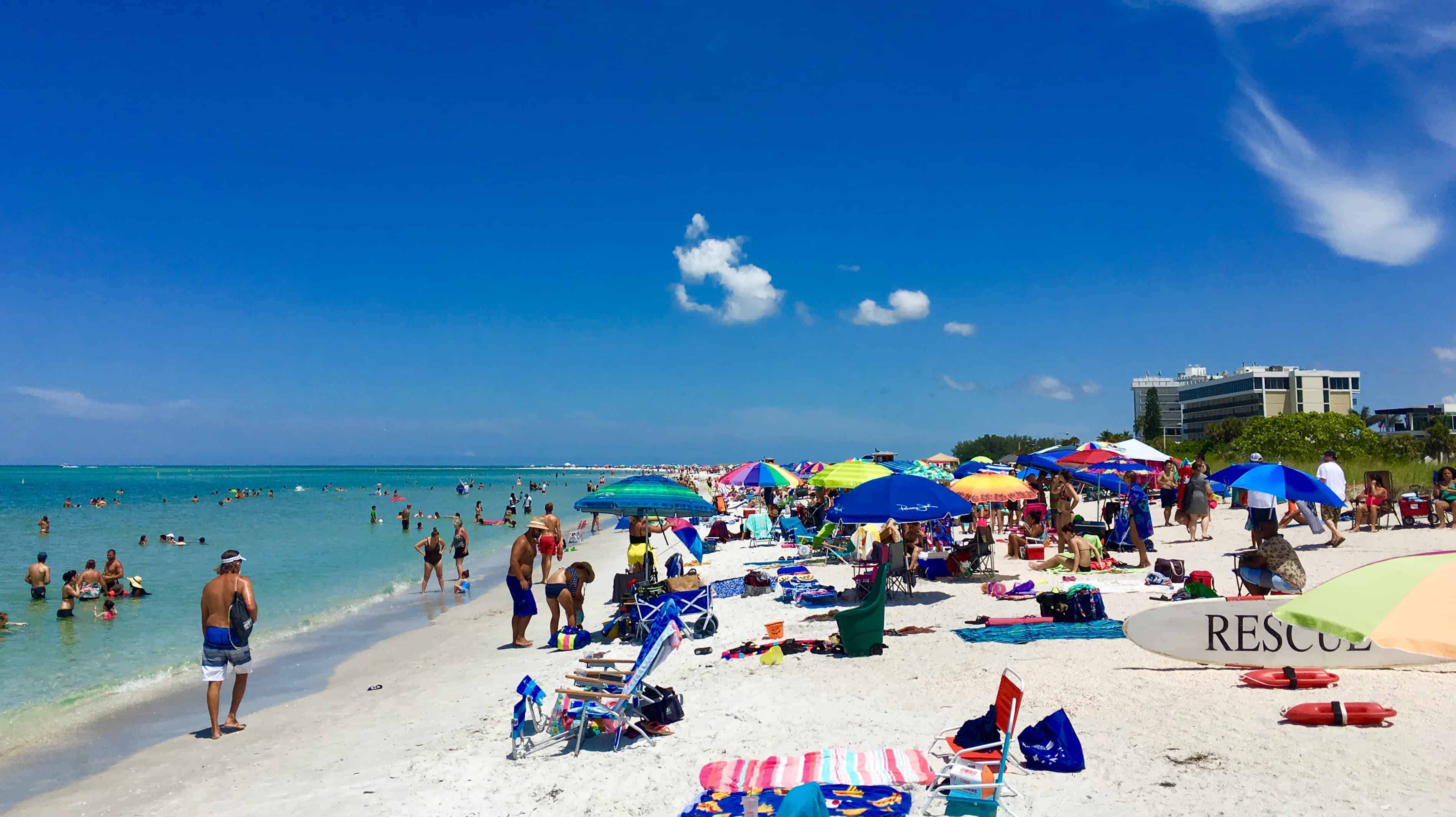 7 Reasons To Visit Sarasota - Home of the #1 Beach in the U.S.A., there's something for everyone here! | Tastefulventure.com made in partnership with @creditcards.com #CreditCardWin #sponsored