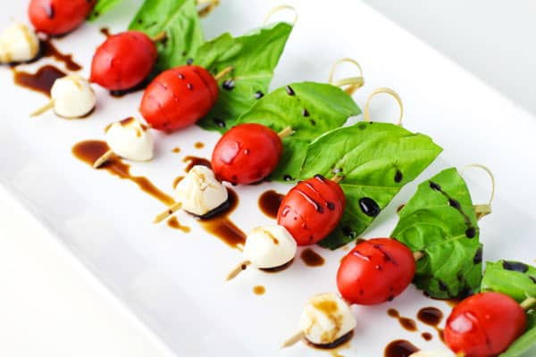 Top 10 Recipes For Memorial Day - Easy Caprese Salad Bites perfect for any BBQ!