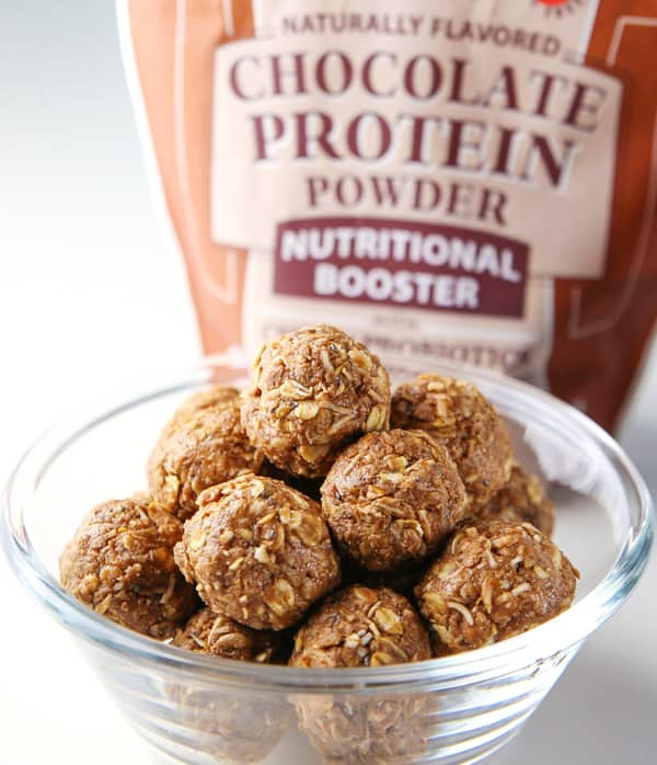 #ad These Healthy Chocolate Protein Bites are made with wholesome ingredients and are so delicious! Perfect for your after workout snack (Gluten Free)! | Tastefulventure.com made in partnership with @Bob'sRedMill