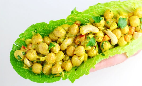 These Healthy Curry Chickpea Lettuce Wraps are my new favorite easy lunch to make! This is Vegan, Gluten Free, and loaded with flavor. | Tastefulventure.com