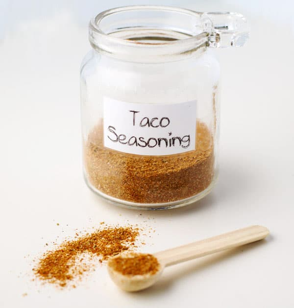 How To Make Taco Seasoning with only 7 ingredients that you probably already have in your kitchen! This can be made with Organic spices and tastes so much better than store bought taco seasoning! | Tastefulventure.com