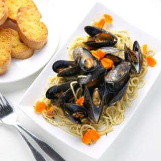 White Wine Mussels With Pasta + GiveAway!