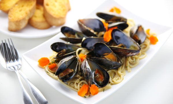 how to cook mussels for pasta